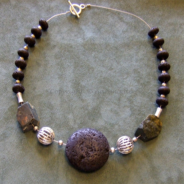 k1901 - Kette - 2012 - Material: Lava, Silber